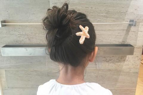 YouTubeで話題の美容師が教える!【子供ヘアアレンジ】簡単お団子ヘア