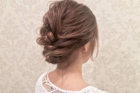 YouTubeで話題の美容師が教える!結婚式におすすめのヘアアレンジ【ボブ編】