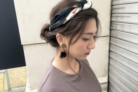 YouTubeで話題の美容師が教える!「地味にスゴイ!」石原さとみさん風 スカーフアップヘア