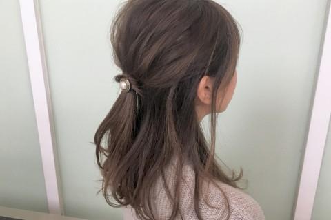 YouTubeで話題の美容師が教える!シンプルで可愛い 時短ハーフアップヘアアレンジ