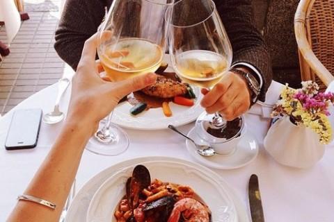 いい夫婦の日は一休掲載のホテルレストランでディナーデートを