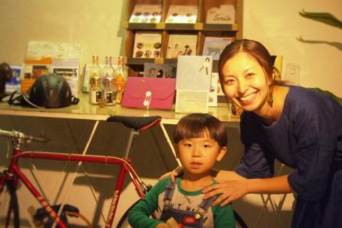 【働くママ】子供のそばで働ける幸せを実現する「子連れ出勤」という働き方