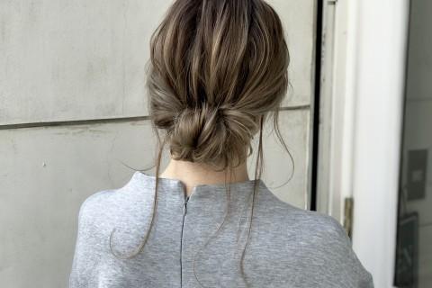 和装&洋装どちらにも合わせれる!簡単に自分で出来るシニヨン風まとめ髪