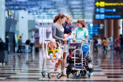 赤ちゃんを飛行機に乗せるときに知っておきたいこと